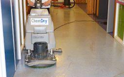 Linoleum vloer reinigen
